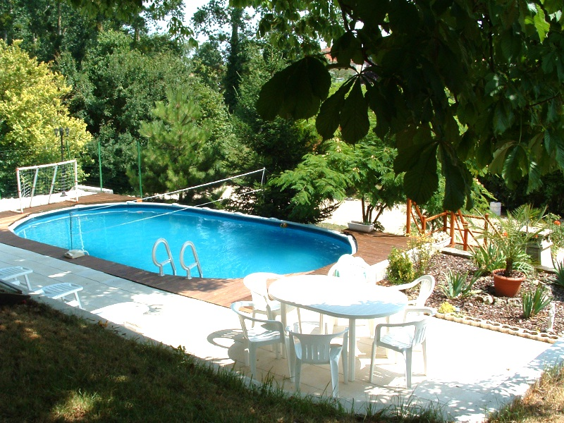 la piscine la grange gites belluire en charente maritime. Black Bedroom Furniture Sets. Home Design Ideas