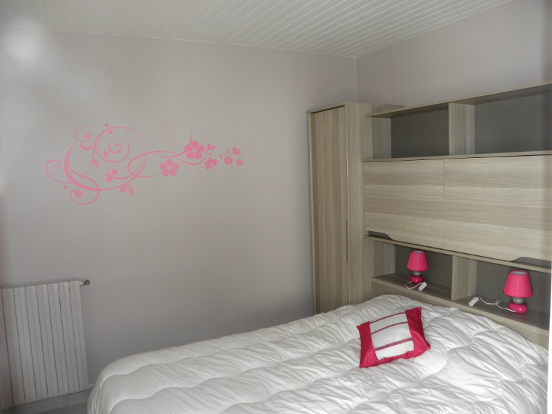 la chambre parentale 1 le moulin gites belluire en charente maritime. Black Bedroom Furniture Sets. Home Design Ideas